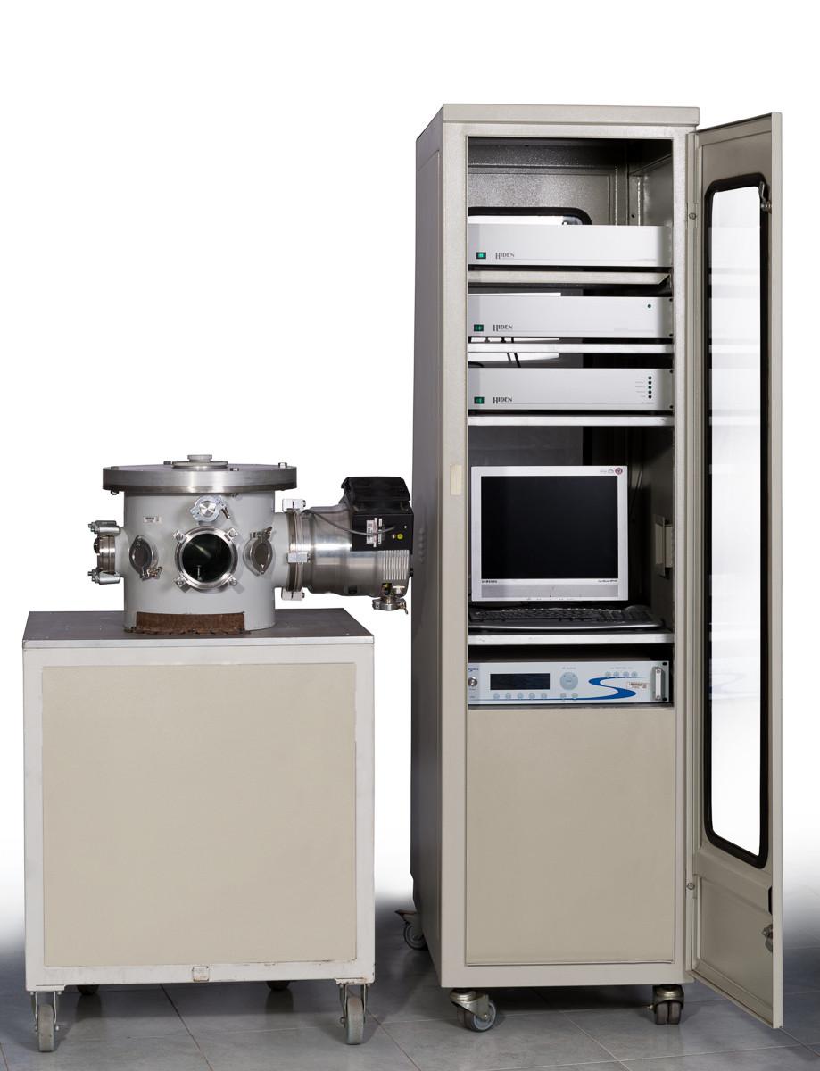 دستگاه لایه نشانی شیمیایی بخار به کمک پلاسما